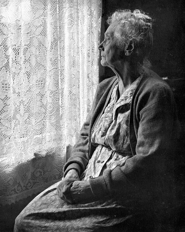 612px-Elderly_Woman__BW_image_by_Chalmers_Butterfield